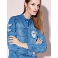 Mohito Jeansowa koszula z aplikacją GOLD LABEL Wzrosy modelki: 178 cm OV227-50X