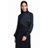 H&M Satynowa bluzka 0433462001 Ciemnoniebieski