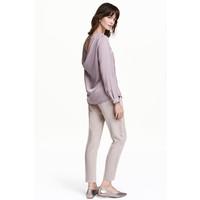 H&M Spodnie smokingowe do kostki 0425914003 Fioletowy