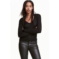 H&M Sweter z kapturem 0452422002 Czarny