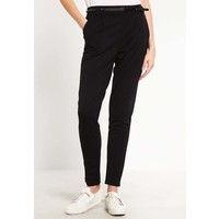 Vero Moda VMKELLY Spodnie materiałowe black VE121A0FW