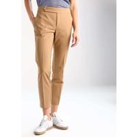 Zalando Essentials Spodnie materiałowe beige ZA821AA0E
