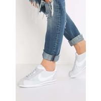 Nike Sportswear CLASSIC CORTEZ Tenisówki i Trampki pure platinum/white NI111S02Z
