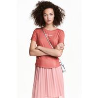 H&M T-shirt z motywem 0452894007 Ceglastoczerwony