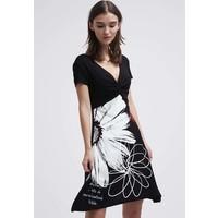Desigual IREYA Sukienka z dżerseju black DE121C0AL