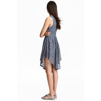H&M Koronkowa sukienka 0530863004 Gołębi błękit