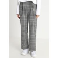 Weekday SIMONE CHECK TROUSER Spodnie materiałowe black/white WEB21A00X