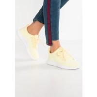 adidas Originals TUBULAR SHADOW EXCLUSIVE Tenisówki i Trampki clear yellow/footwear white AD111A0JM