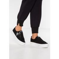 Calvin Klein Jeans ZOLAH Sneakersy niskie black C1811E00P