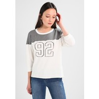 Abercrombie & Fitch FOOTBALL Bluza white A0F21J00V