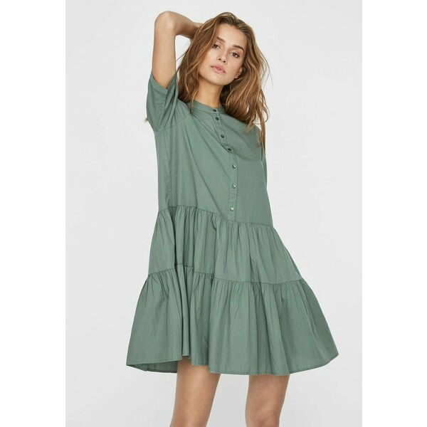 Vero Moda STEHKRAGEN Sukienka koszulowa laurel wreath VE121C290