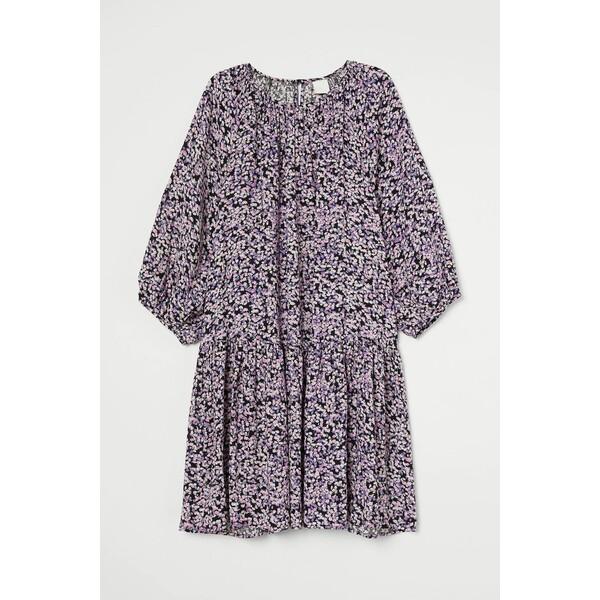H&M Sukienka z baloniastym rękawem 0915453001 Czarny/Fioletowe kwiaty