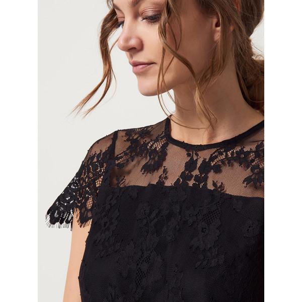 a8bf17b837 Mohito Koronkowa sukienka z krótkim rękawem AFTER HOURS QX194-99X ...